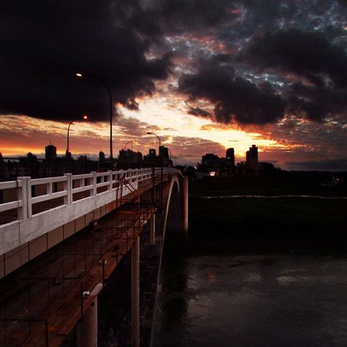 Puente Internacional de la Amistad Puente Paraná Paraguay Great_captures_paraguay Great_captures_brasil Landscape Sunlight Clouds Cloudscape Cloud Naturelovers Naturaleza Colors FozDoIguaçu Fozeassim Iguassucool Pic Pic Of The Day Picoftheday Color Coisasdafronteira Ciudaddeleste Sunset