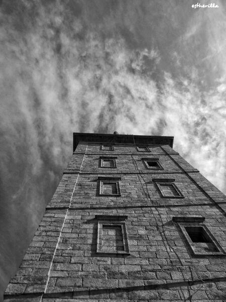 Torre ce Hércules. A Coruña. Acoruña TorreDeHercules Cielo Y Nubes  Blancoynegro Bnw Bnw_captures Bnw_collection