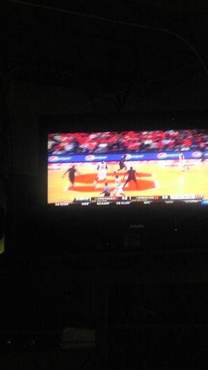 watching this Syracuse game!!