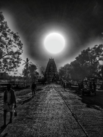 Mobilephotography Oneplus2 Snapseed EyeEm Gallery Travel Destinations Blackandwhite Edit Temple Virupakshatemple Hampi. India Hampidiaries India Architecture Ancient City People Hampi  South India South Indian Temple Architecture EyeEm Black&white!