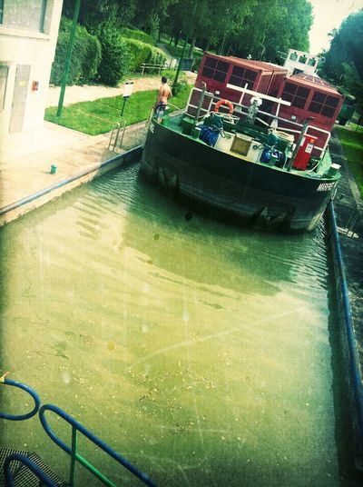 Boarding at Port de Neuilly sur Marne Boarding