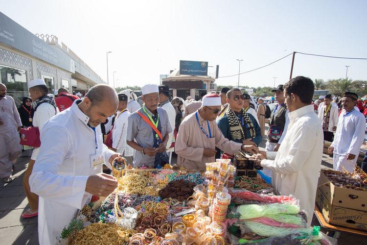 Muslim Devotees Buying Souvenirs For Their Love Ones At Quba Mosque On A Sunny Day Crowd Eid Eid Mubarak Gift Hajj Islam Mecca Medina Money Muslim Ramadan  Ramadhan Saudi Arabia Shopping Souvenir Syawal Umrah