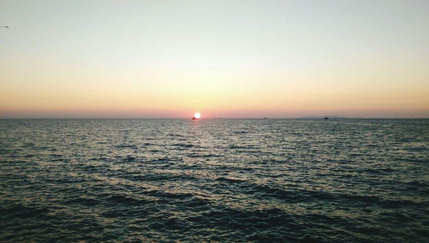 Sunset Sea Horizon Over Water Didim Türkiye Turkey Cuzar Didyma Egesea Ships At Sea Sun Sunsea Sunshine Sunshine ☀ HelloEyeEm
