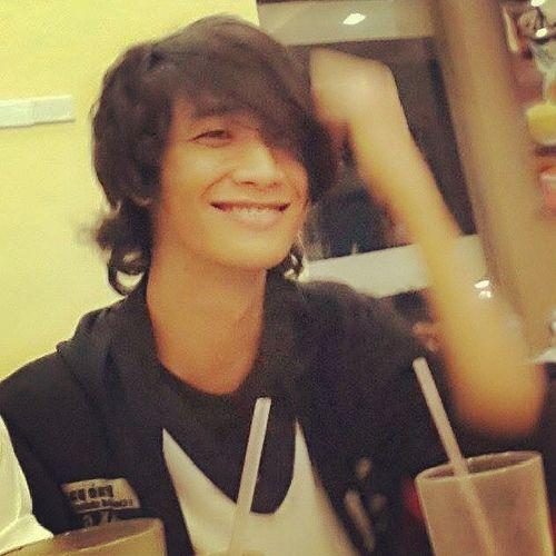 My freakishly weird smile when I look at you :) Habababa Bungisngis Longhairpa HASHTAG