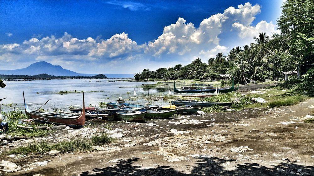 Tilapia farm...lake in tranquility... Mobilephotography Vivov5plus FIESTA! EyeEmNewHere Lake View BatangasPhilippines