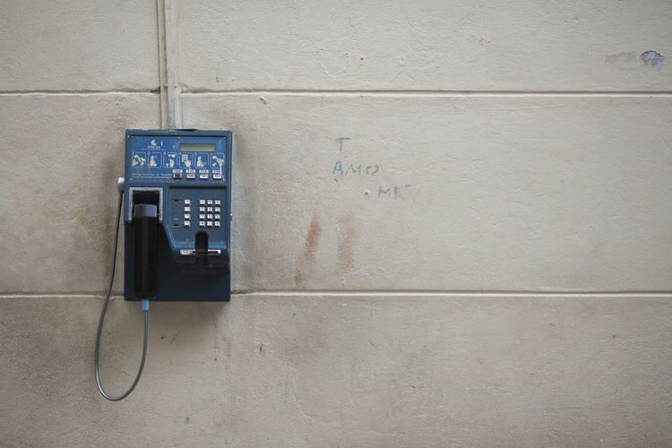 Architecture Close-up Communication Connection Cuba Etecsa No People Old-fashioned Pay Phone Technology Telecommunications Equipment Telefon Telefonzelle Telephone Telephone Receiver Text Wall - Building Feature