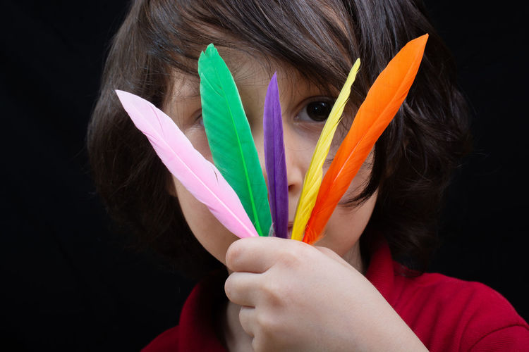 Abstract Air Artistic Beautiful Bird Boy Colorful Creativity Decorative Design Detail Elégance Elegant Fashion Feather  Fly Foil  Hand Holding Kid Natural Plumage Textile Texture Vibrant Wing Wings