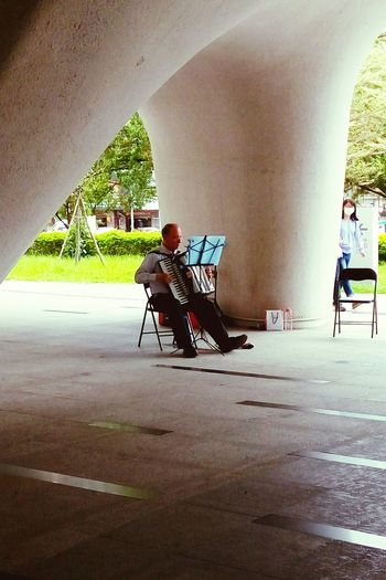 Street Musician Music Enjoying Life PerFroming Music Time Nice Day!  Photography Photo Photos Photographic Memory