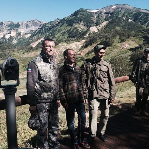 Медведев камчатка долинагейзеров