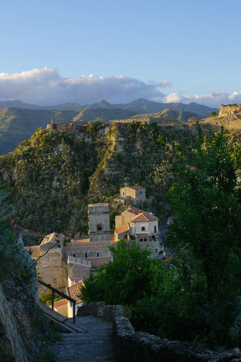 House High Angle View Architecture Cityscape Building Exterior No People Outdoors Mountain Francis Ford Coppola Architecture Day Town Rural Scene Landscape Tourism Destination Nature Tourism Savoca Savoca, Sicily Sicily ❤️❤️❤️ Sicily, Italy Corleone Goodfather