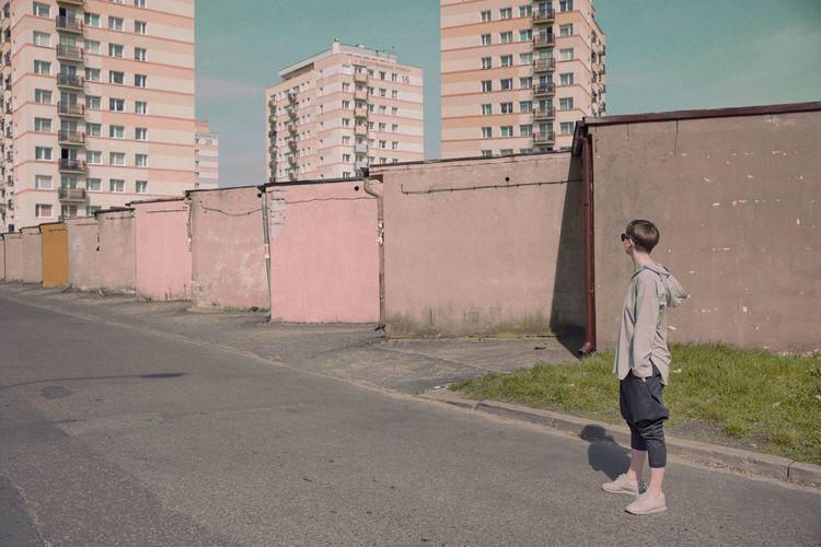 Neon The Creative - 2018 EyeEm Awards Pastel Full Length Built Structure City Urban Fashion Jungle