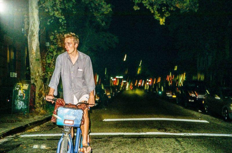 Bicycle Cycling Night Kodak City Life 35mm Film Brooklyn Film Commute Film Photography Williamsburg