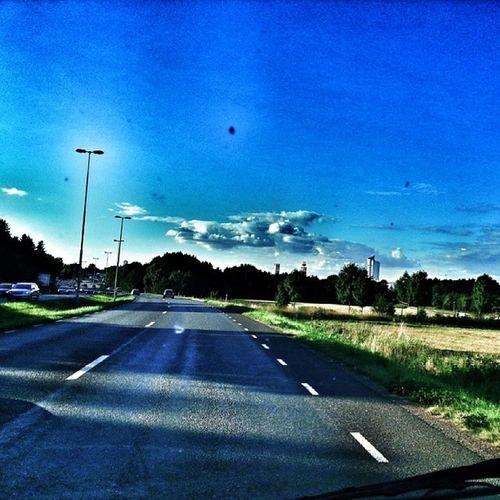 Halmstad Eurostop genom bilrutan :) BL åhimmel Bluesky halland