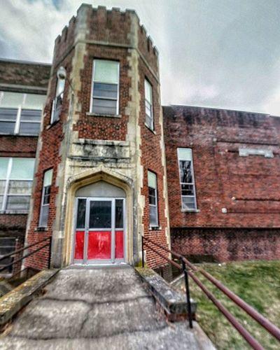 Martin East gym entrance....... Ks_pride Atchison Schoolsofkansas Wow_america World_bnw