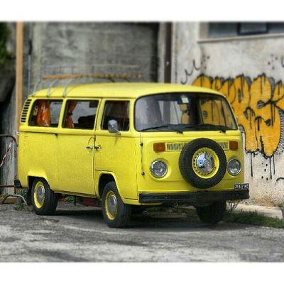 Busvolkswagen Vintage Transporter Cibborio bulli matrimoniovintage cupramarittima graffiti murales T2 aircooled