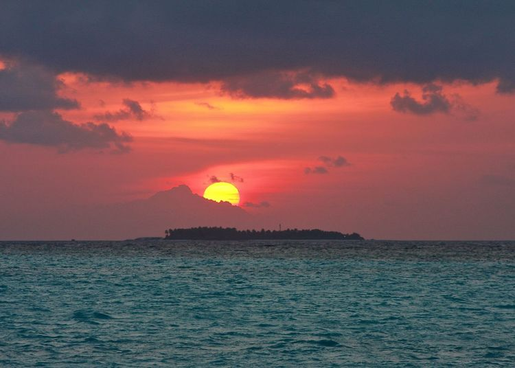 43 Golden Moments Amazing Backgrounds Beauty In Nature Cloud - Sky Coastline Horizon Over Water Island Maldives Nature Ocean Orange Color Scenics Sea Seascape Showcase July Sky Sun Sunset Sunset_collection Taking Photos The Week Of Eyeem Tranquil Scene Travel Wineandmore