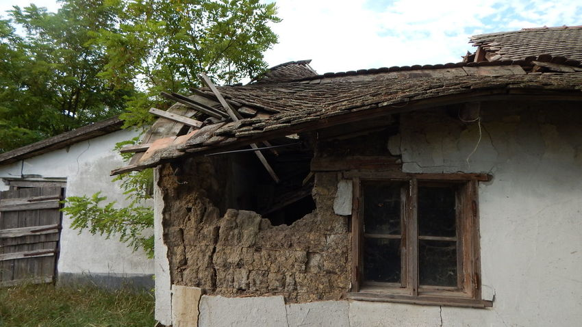 Abandoned Built Structure Cottage Damaged House Old Roof Sad & Lonely
