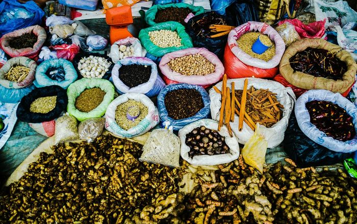 Spice market in Indonesia Spices And Herbs Spice Market INDONESIA Indonesian Food Indonesian Market Ayurveda Cooking Local Market Bukit Lawang Alternative Medicine Organic Natural Harvest Agriculture Cinnamon Sticks Peppers Laurel Leaves The Week On EyeEm Backgrounds Choice