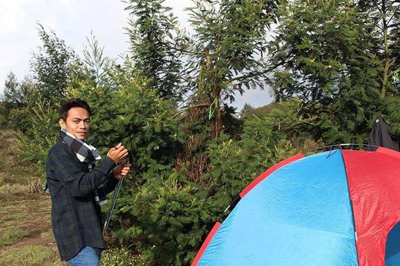 Baghagia itu sederhana, cukup tersenyum dan bersyukur dengan apa yg kita punya. :) Bahagiaitusederhana Jalanjalan Gunungprau Camping Idpendaki Instagram Instapic