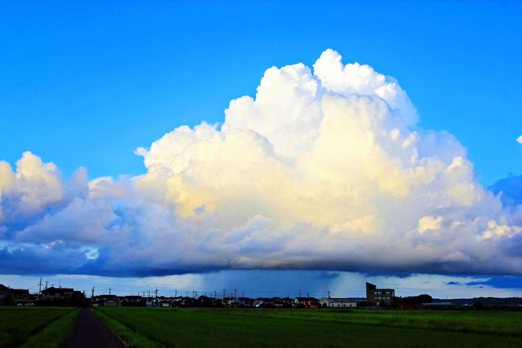 Cloud - Sky Blue Landscape Beauty Outdoors Sky Nature Rural Scene Day No People Water Beauty In Nature City