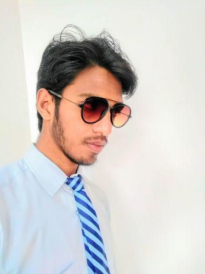 08f8fc9d4c72 Engineering student Businessman Eyeglasses Portrait Business Men  Well-dressed Headshot Shirt And Tie Close-