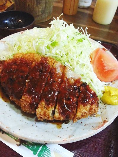 ロースカツ定食 800円 ご飯とキャベツおかわり自由なのが嬉しい(v^ー°) とんかつ 竹亭 Kagoshima