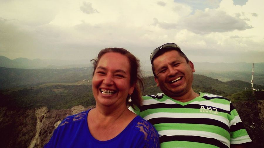 Photos That Will Restore Your Faith In Humanity They Laughedtohard ... if they are happy I'm Happy ... if they laughed I Laughed one Amazing Trip . Peolpe - in Cerro Del Cubilete Guanajuato
