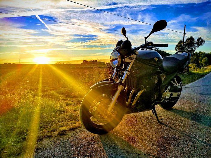 Atardeceres que valen la pena fotografiar Sunset Men Sky Cloud - Sky Landscape