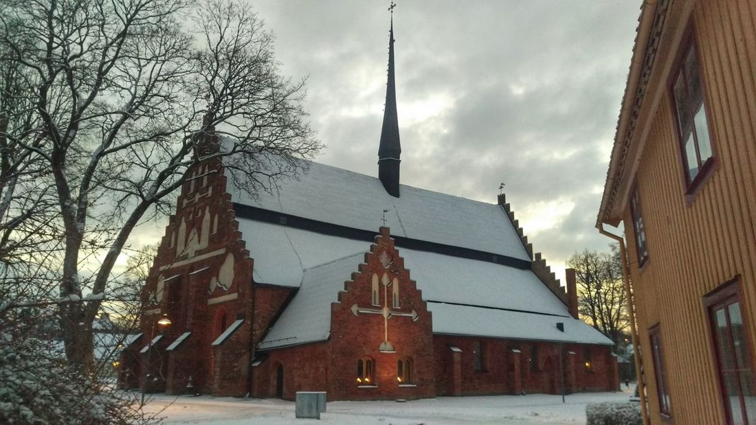 It's Cold Outside Söderköping Church Cityscape Tourism View Northern Europe Taking Photos Scandinavia Wintertime Sweden Scandia Sverige Winter Snow Snow ❄ Cold Snow Covered
