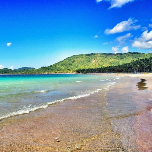 Walking on Nacpanbeach near to Elnidopalawan . Keep this moment! ☺😚🌏🌍💓🌎😅🌊🌞🏄😍 Beach Paradise philippines islands palawan asia travel traveling sand sea ocean walking sky blue ilovemylife clouds green awesom amazing love friends waves crystalwater instagood vsco warrenjc