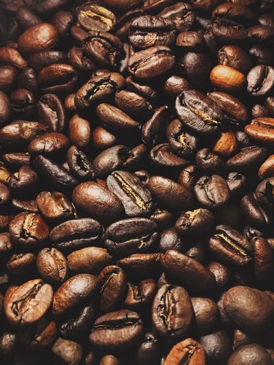 香醇 Food And Drink Roasted Coffee Bean Full Frame Coffee Bean Abundance Brown Freshness Food Backgrounds Indoors  Raw Coffee Bean Coffee - Drink No People Large Group Of Objects Roasted Close-up Day