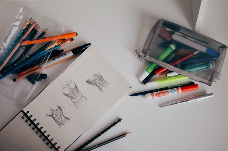 Sketching Art And Craft Artistic Bodyart Colored Pencil Crayon Desk Drawings Education Fitnessmodel Indoors  Large Group Of Objects Multi Colored No People Pencil Pencil Sharpener Pencil Shavings Sixpack Sketch Art Sketching Trained