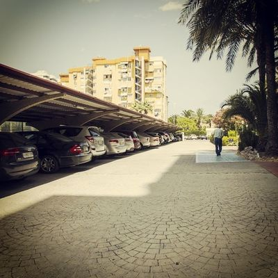 Amplio parking en el Hotel Tres Anclas de la Playa de Gandia Hotel3anclas Gandiabeach Hoteltresanclas