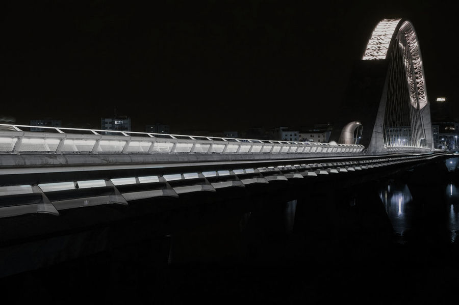 Brigde Brigdeovertroutwater Mérida Badajoz Puente Puente_lusitania Bnw Bnw_captures Bnw_city Bnw_shot Bnw_lover Bnw_planet Bnw Photography OutdoorsUrban Scene Urban Urbanphotography Exterior View Blackandwhite Blancoynegro No People The Architect - 2017 EyeEm Awards Neighborhood Map