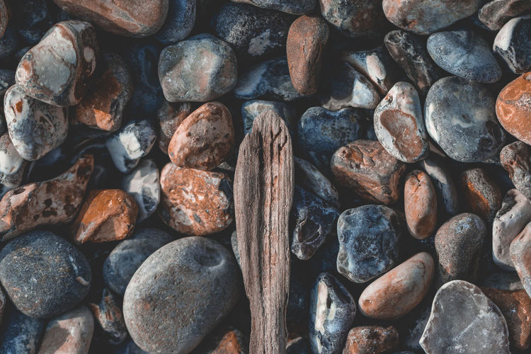Full Frame Backgrounds Large Group Of Objects Rock Textured  Stack Nature Stone - Object Rock - Object Wood - Material Beach Wallpaper