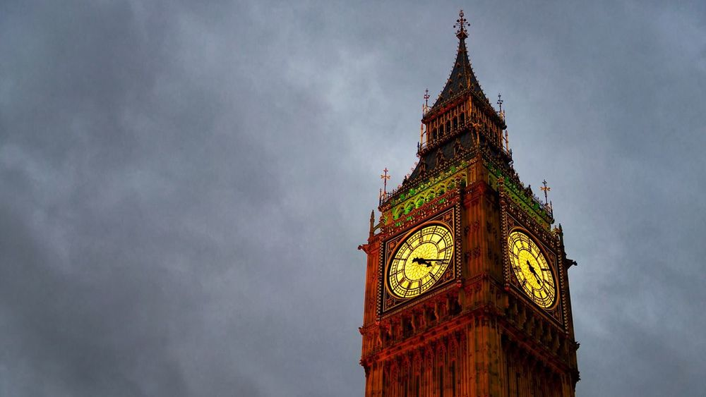 Clock Tower Clock Time Low Angle View Tower Travel Destinations Sky Architecture Outdoors No People Cloud - Sky Built Structure Building Exterior Closeup Clock Face Illuminated Minute Hand Big Ben London England Great Britain Großbritannien Close-up Copy Space Text Space