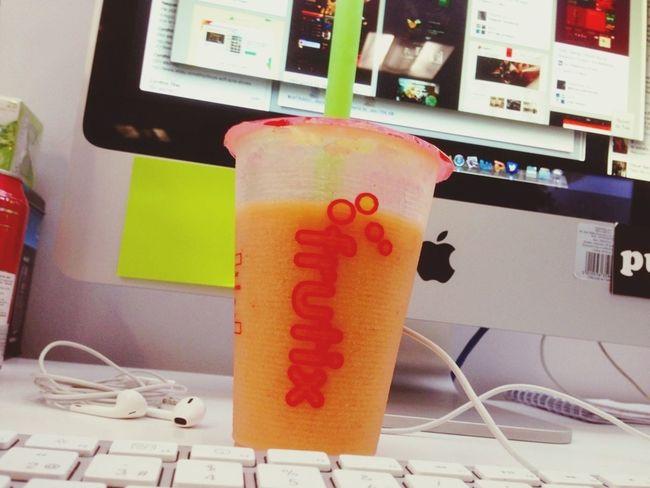 Así empieza el día Juice Fruit Office Working