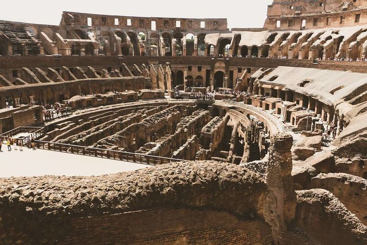 Colloseum In Rome Discoveritaly Rome Italy VSCO Capetownphotographer Travelphotography Italy❤️ Canon Photoblogger Wanderlust Canonphotography Travelblogger Ancient Civilization City Ancient Old Ruin History Archaeology Cultures The Past Architecture Built Structure Ancient History Amphitheater Roma Monument