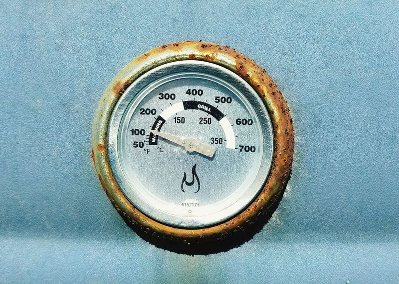 Grill temperature guage Circle Close-up No People Food And Drink Beer - Alcohol Grilling Heat Heat - Temperature Guage Outdoors EyeEmNewHere