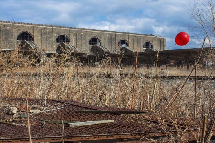 Red Balloon Red Balloon Balloons🎈 Balloonart Abandoned Abandoned Places Abandoned Buildings Abandoned & Derelict Abandon_seekers Abandoned_junkies Grime Grime_nation Railroad Track Buffalo Buffalo,ny Buffalo Central Terminal