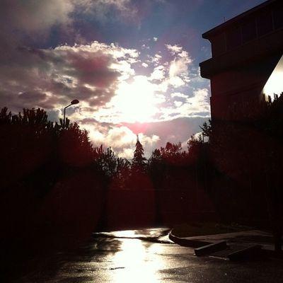 Sabah sabah Turkcell teknoloji Maltepe o gorunen dere degil asfalt gencler :) Rain yagmur cloud bulut manzara nature sunrise gunaydin
