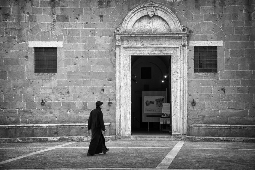 Priest walking to the church Architecture BW_photography Tuscany Adult Architecture Black And White Photography Building Exterior Built Structure Church Architecture Full Length Lifestyles Men One Man Only One Person Outdoors People Photography Pienza (toscana) Place Of Worship Priest Real People Streetphoto_bw Streetphotography Walking Walking Alone...