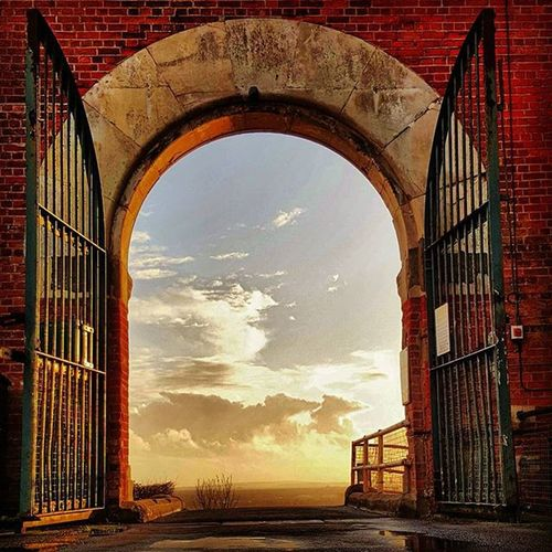 Gates to heaven..... Heaven Picturesque Skyporn Gates Phoneonly Portsmouth Pompey Sunset Picoftheday Irongates View