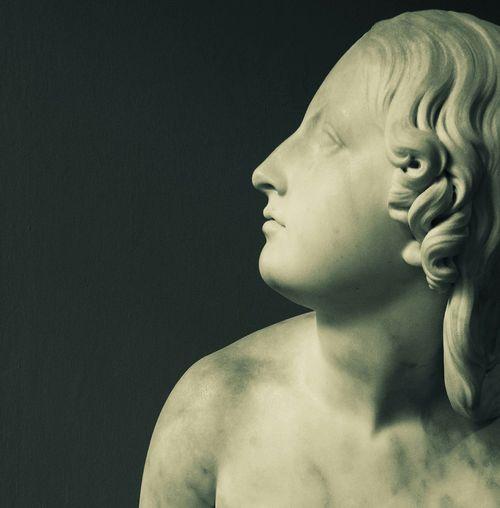 Eve Listens To The Voice. Art Victoriaandalbert Sculpture