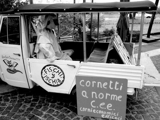 QVHoughPhoto Streetphotography Cityscapes Italy Ischia Casamicciola Casamicciolaterme Wwoof Wwoofitalia Blackandwhite IPhoneography IPhone4s Cornetti