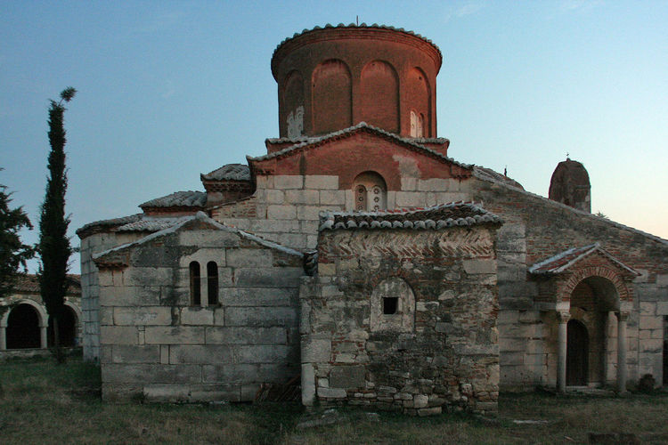 Orthodox monastery of Apollonia at sunset ALBANIA❤️ Apollonia Ortodoxmonastery Trees Architecture Building Exterior Built Structure Exterior History No People Ortodox Ortodox Church Ortodox Religion Outdoors Place Of Worship Religion Sunset