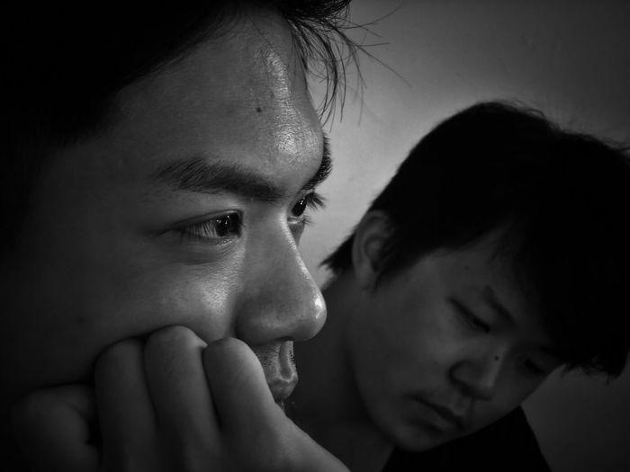 2017/6/26 速寫朋友 於臺南 Taiwan Friend Bw Bw_lover BW_photography B&w Photo B&w Bw Photography B&w Photography Bwphotography Friendship Human Face Eyesight Human Eye Togetherness Eyelash EyeEmNewHere
