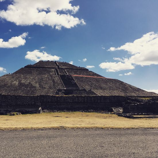 Piramide de Teotihuacan , Mexico