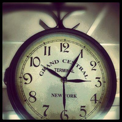 Urs äkta, Vad  är Klockan ? clockwise clock urkul