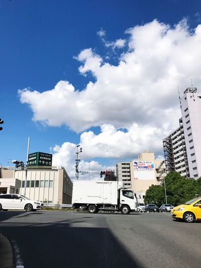 Sky Cloud - Sky Car Street Road Chiba,Japan Streamzoofamily Iphonephotography 原付き🛵で信号待ちの間に空を撮る😀✋️🎊